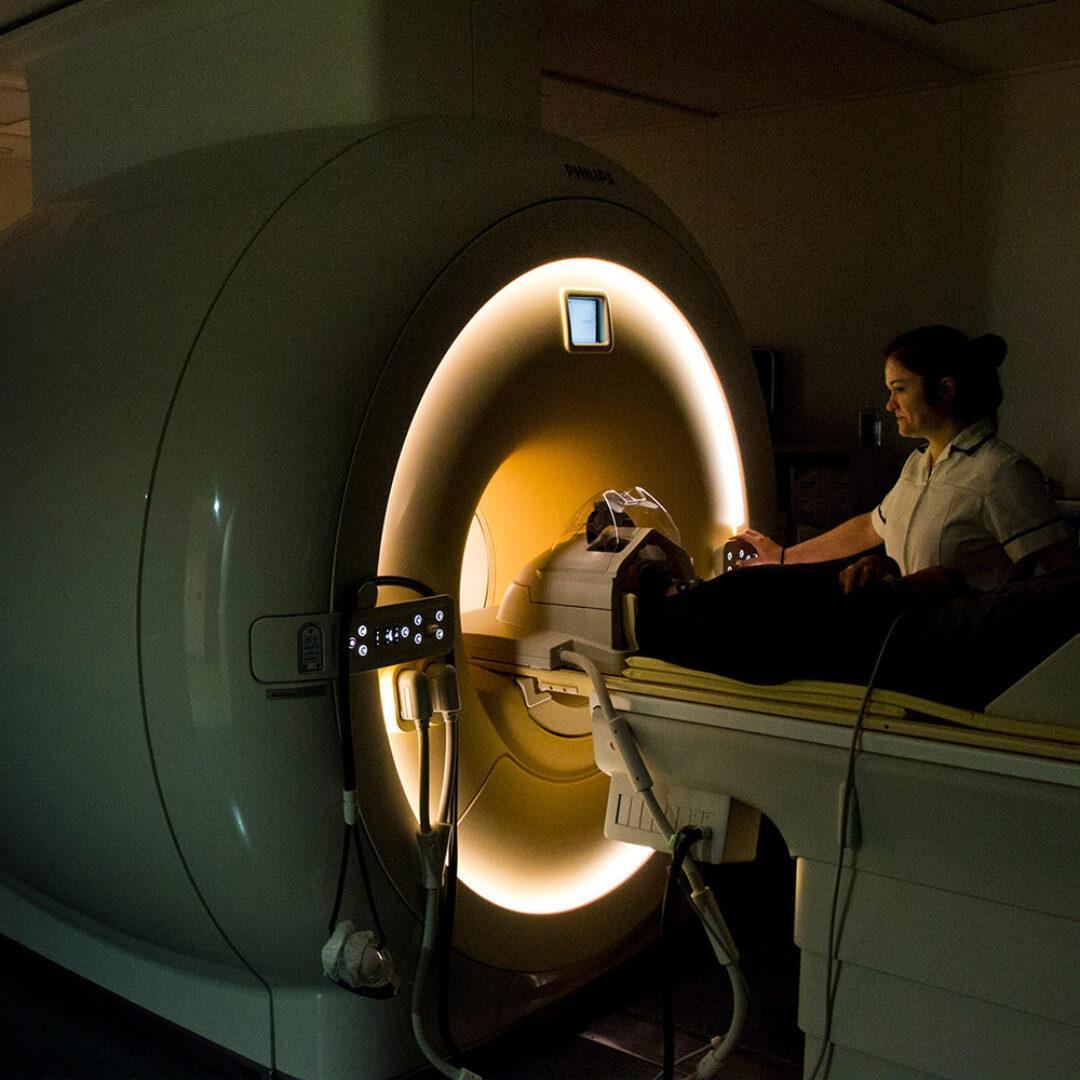MRI imaging instrument